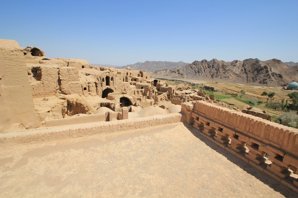 Ruined city of Kharanaq