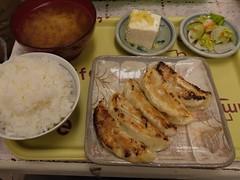 火, 2011-10-25 23:55 - 餃子定食