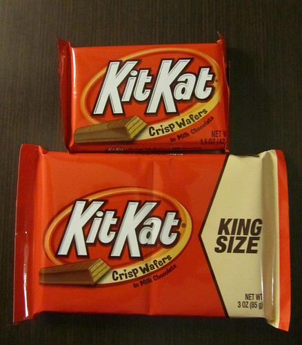 King Size Kit Kat (USA) - with regular Kit Kat