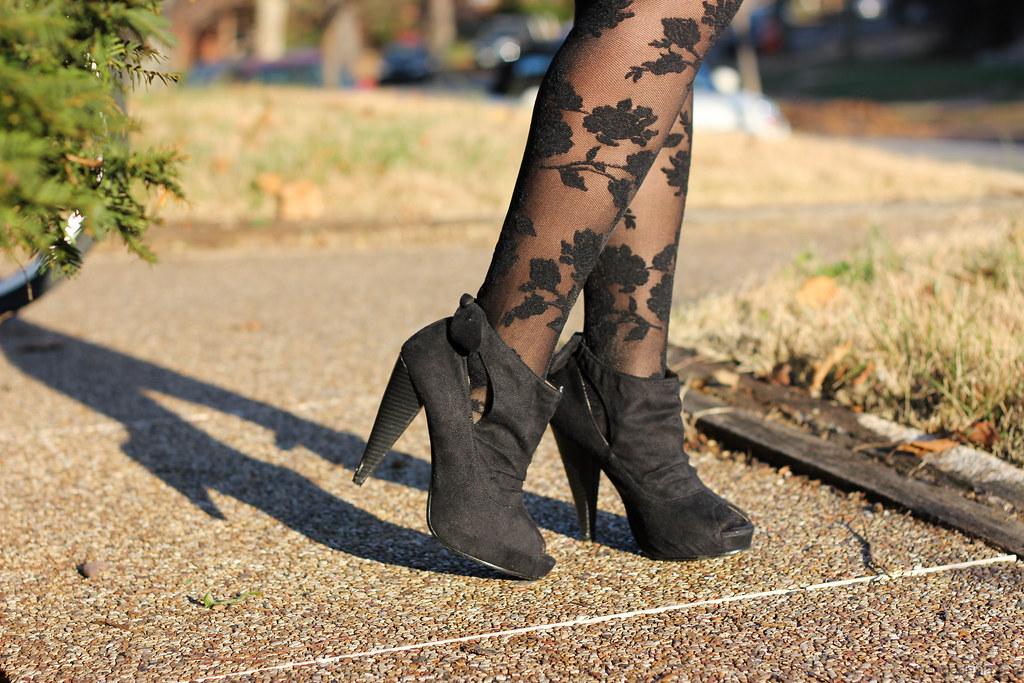 black roses and suede
