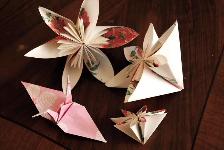 Paper flowers and cranes