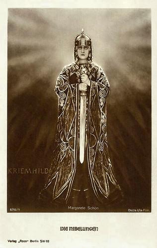 Margarete Schön as Kriemhild in Die Nibelungen
