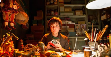 12a07 Hugo Cabret Scorsese Chloe-moretz-et-asa-butterfield-dans-le-film 3