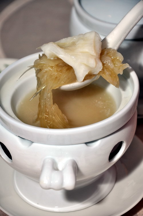 double boiled shark fin bone with deluxe shhark fin with fish maw