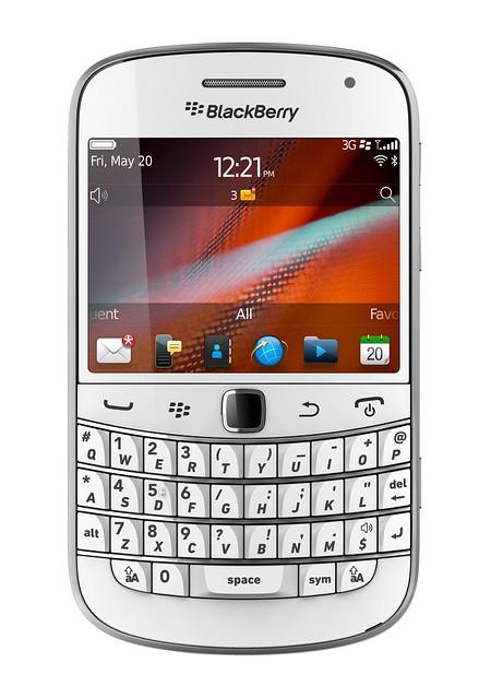 1 BlackBerry Bold 9900 White