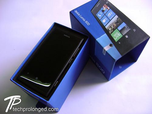 Box Open - Nokia Lumia 800