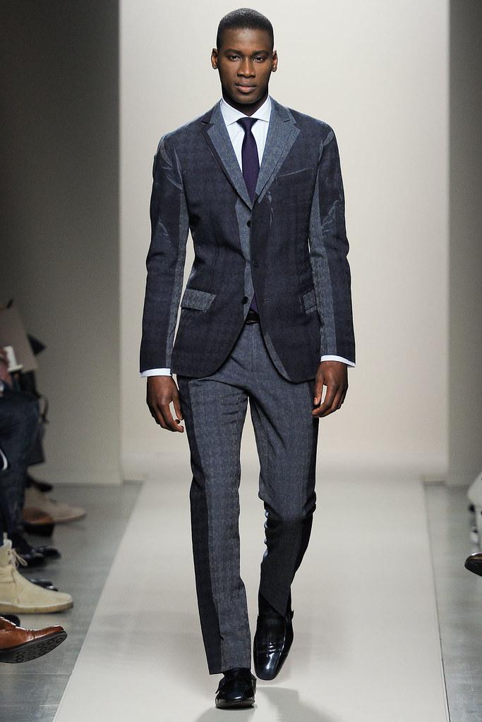 FW12 Milan Bottega Veneta006_David Agbodji(VOGUE)