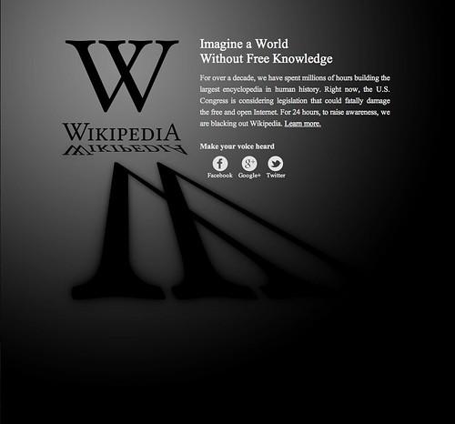 La version anglaise de Wikipedia est fermée pour lutter contre SOPA et PIPA... by Charles Nouÿrit