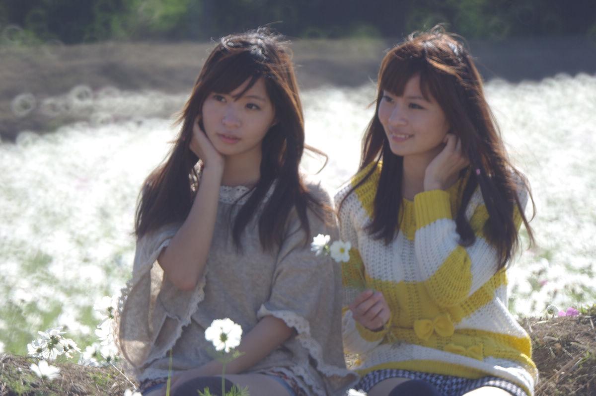 冬季艷陽下的熙羽姊妹
