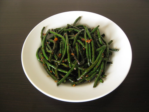 spicy, dry sautéed long beans