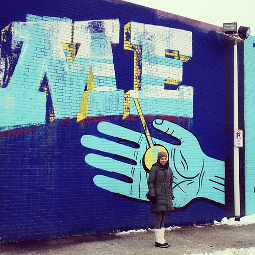 Cute, little @urbancasita.... #mural #art #streetart #blue #wife #neighborhood #logansquare #chicago #igerschicago