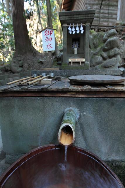 宝登山神社の御神水