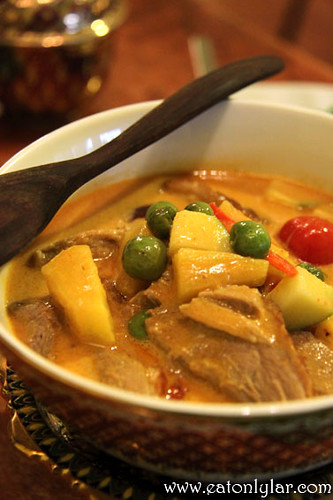 Boneless Roasted Duck Curry, Erawan Classic Thai & Fusion