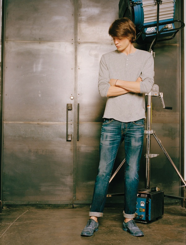 Jonatan Frenk0083_AG Jeans Holiday 2011 Look Book