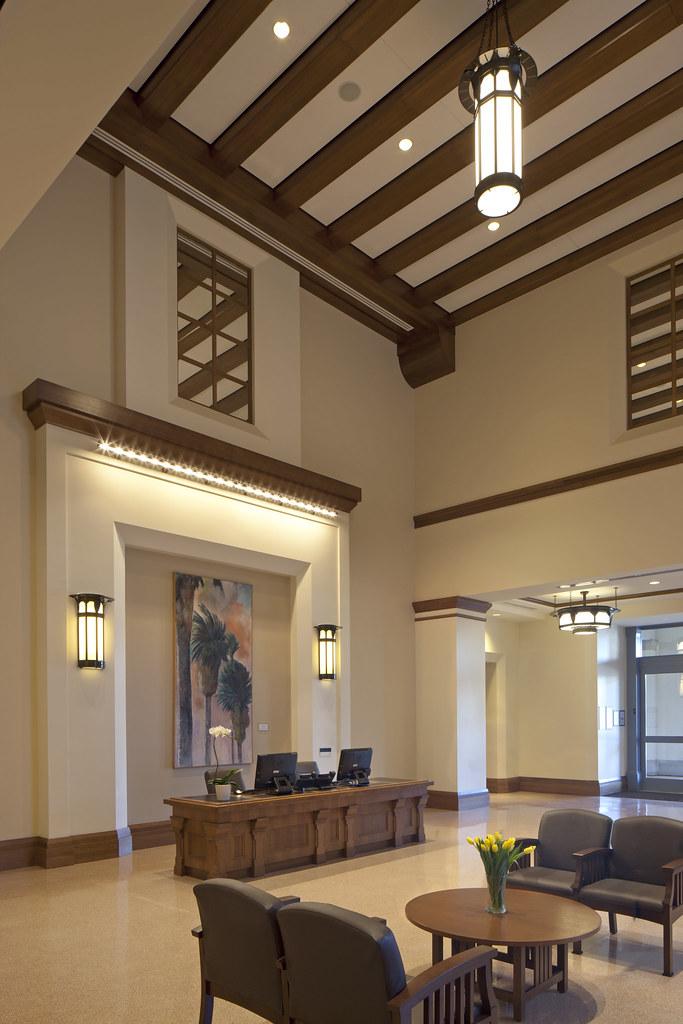 UCLA Medical Center, Santa Monica Main Lobby | UCLA Health