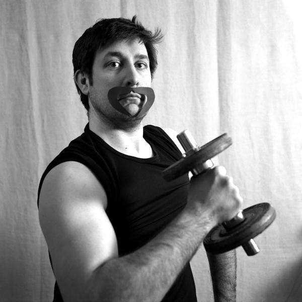 > moustache:(n.f) Poils qui recouvrent la lèvre supérieure. 6803026421_3ce146a077_o