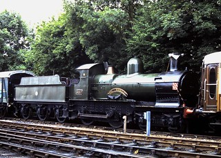 92-051  Ex GWR 4-4-0 No. 3217 'Earl of Berkeley' at Sheffield Park