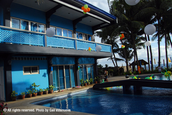 Blue Dolphin Resort
