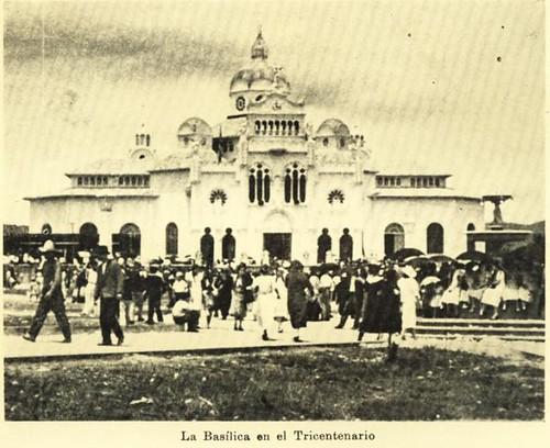 Fuente de los Delfines en Tricentenario de la Virgen-1935 by Reyleomessi
