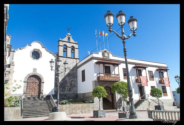 Icod de los Vinos ciudad drago milenario - Ayuntamiento y parroquia de San Marcos
