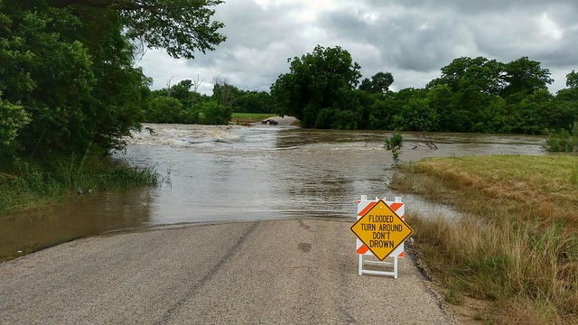 Flooding on the San Gabriel River at Highway 29 at Mankins Crossing