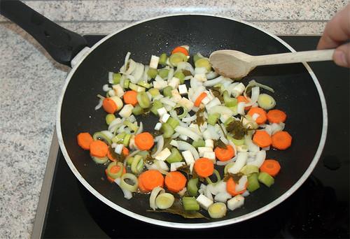 27 - Gemüse anbraten