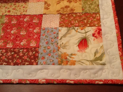 Butterscotch and Rose table runner close up