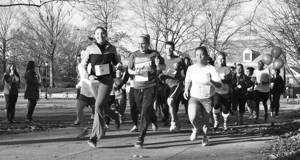Holiday 5k supports Kids of Honor