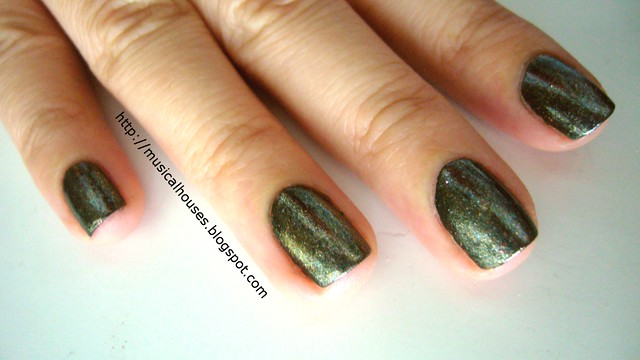 nails inc fitzhardinge street eyeshadow glitter 3