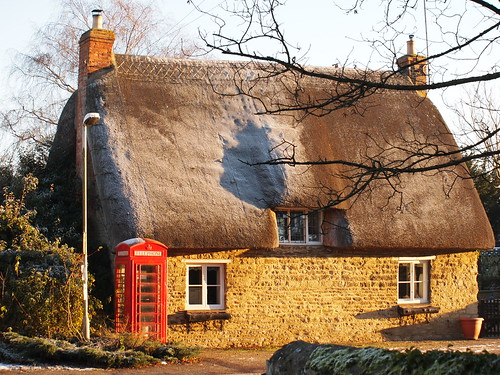 stone pen village northamptonshire olympus northants telephonebox thatchedcottage graftonunderwood epl1 mickyflick