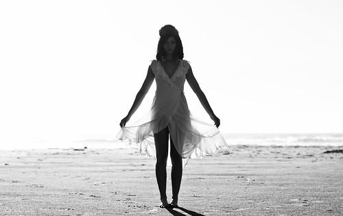 無料写真素材, 人物, 女性, ワンピース・ドレス, モノクロ, アメリカ人