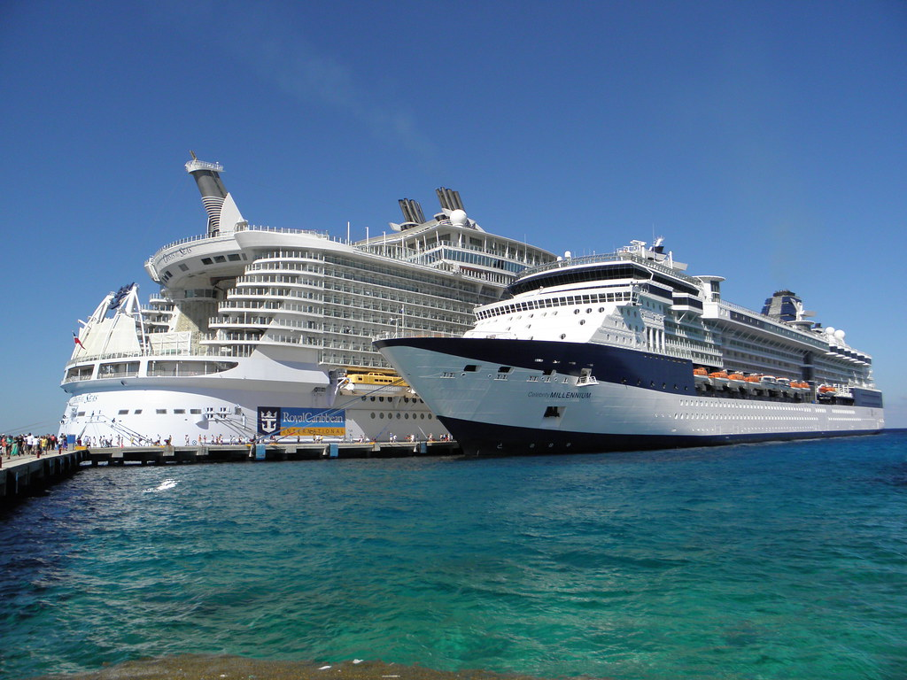 Putting size into perspective! Ships lined up for me ... Oasis Of The Seas Comparison