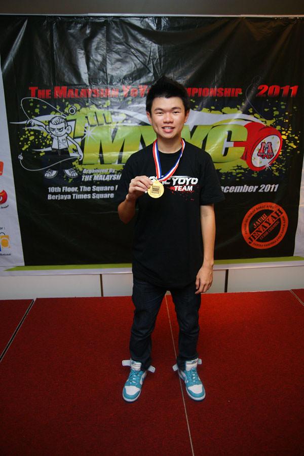 Champion-2011-600