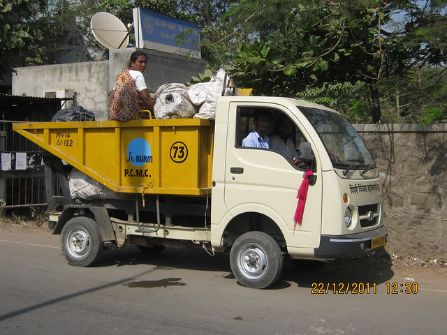 PCMC garbage collection truck visits the neighborhood of Akshar International School Wakad Pune 411 057 every day!
