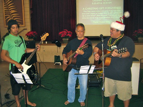 Our dedicated HCW worship team leads us to praise in songs every week. Mahalo!