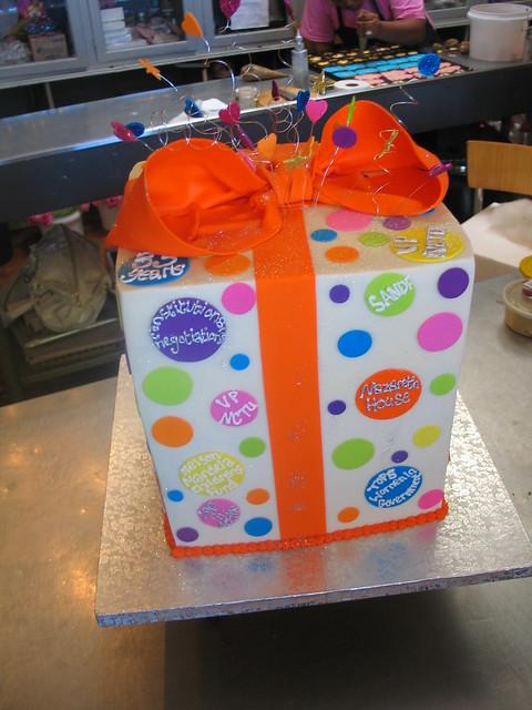 Cours De Cake Design Lille : Patricia De Lille s present shaped birthday cake decorated ...