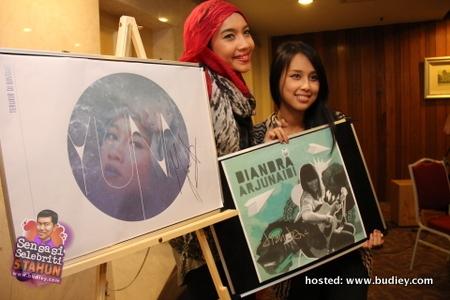 Yuna &Amp; Diandra Arjunaidi Lancar Album