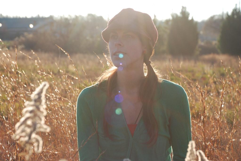 Kat in a field