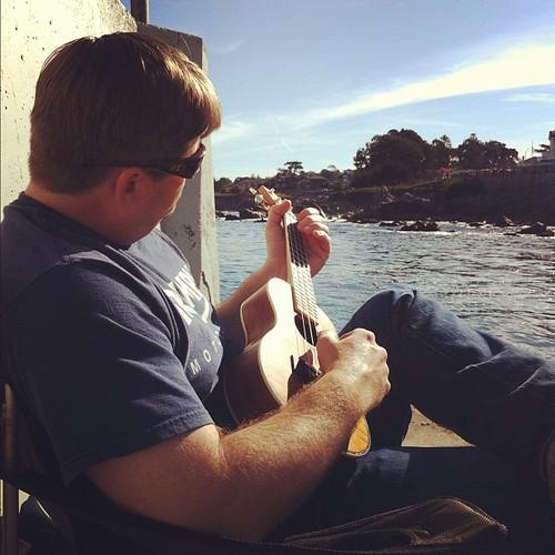 Scuba plays uke