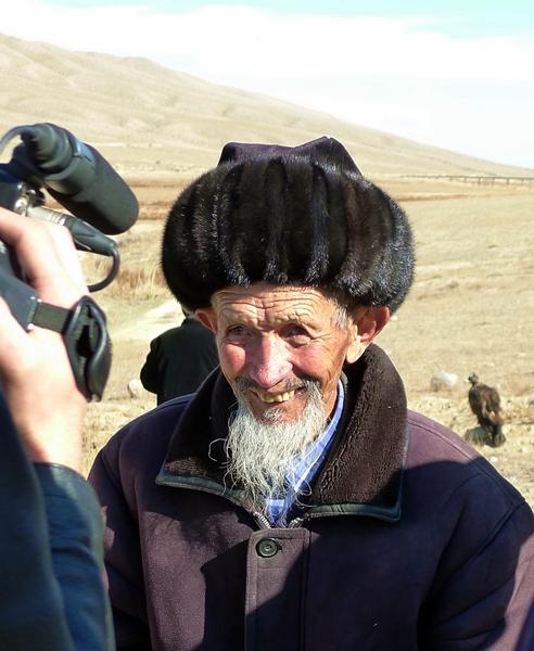 old man good hat
