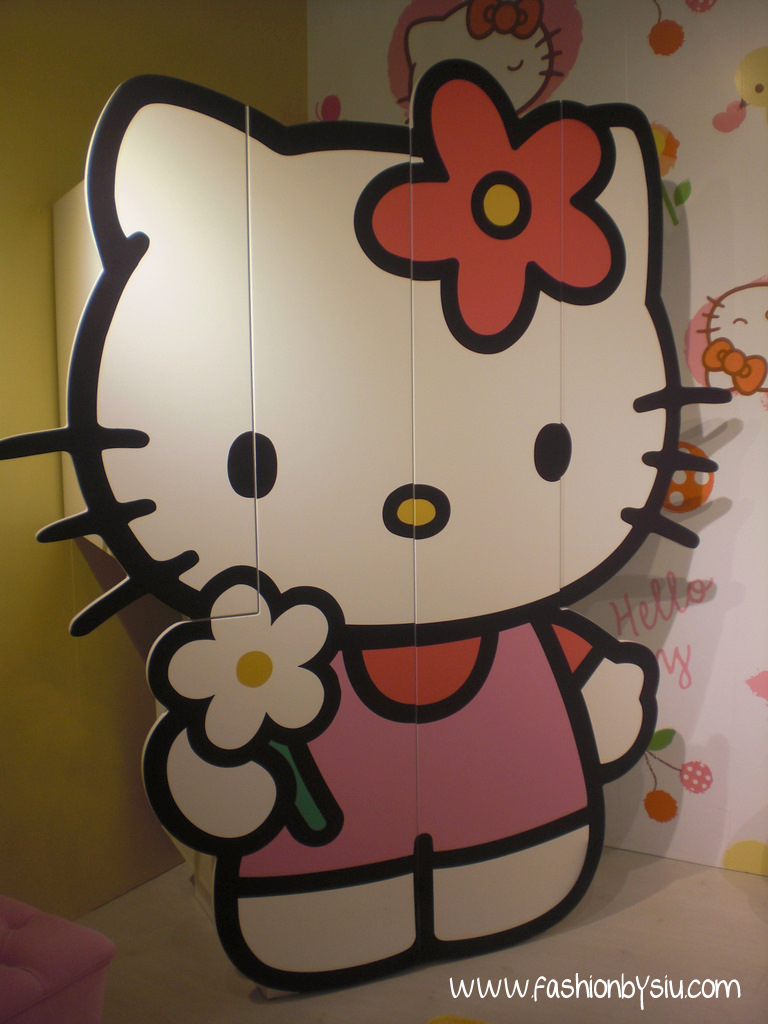 www.fashionbysiu.com / Hello Kitty Mobilya
