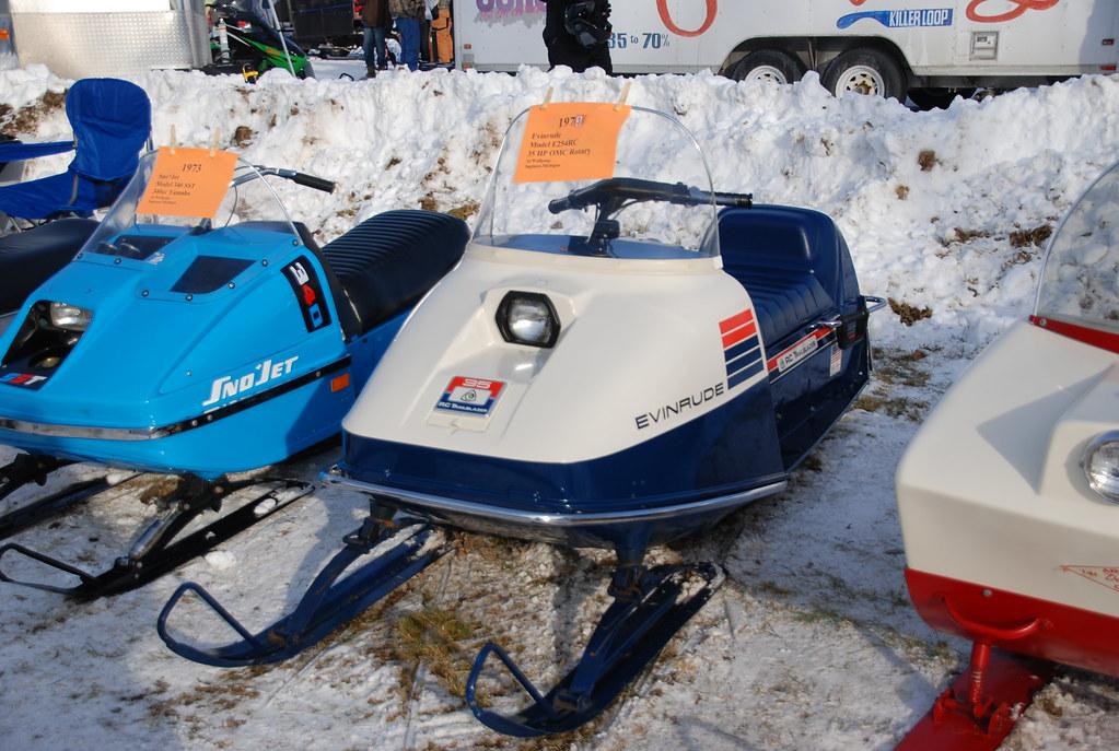 Yamaha Viking Snowmobile