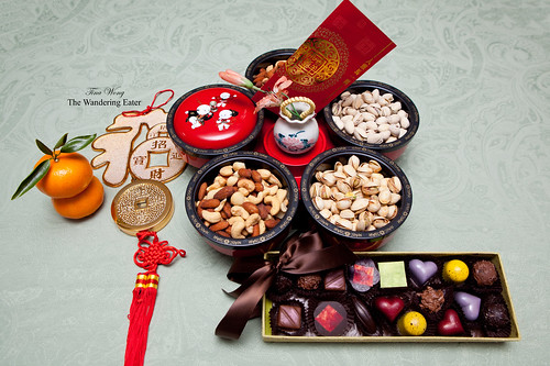 "Chinese New Year snacks in a ""fortune tray"" (財富托盤)"