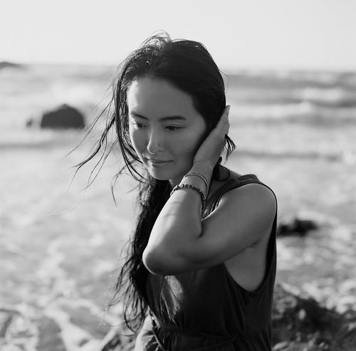 [フリー画像素材] 人物, 女性 - アジア, モノクロ ID:201201280200