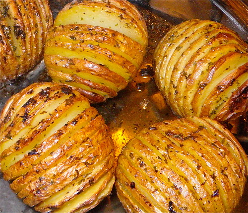 Hasselback Potatoes by annbumbly