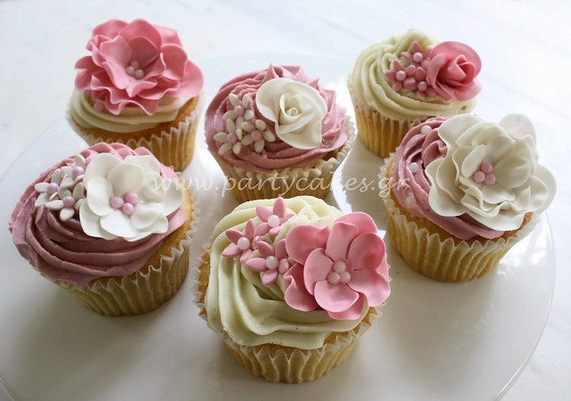 Flower cupcakes for a wedding