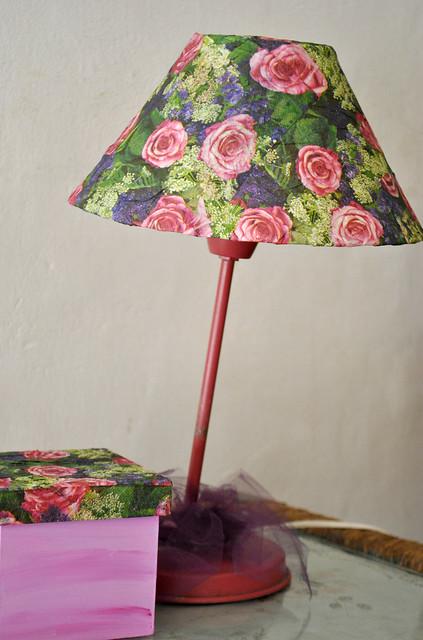 Lamp roses