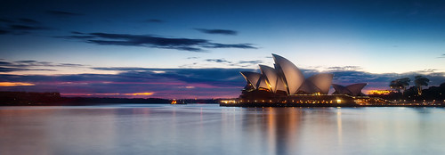 red water clouds sunrise harbour sydney australia operahouse sydneyharbour sydneyharbouroperahouse
