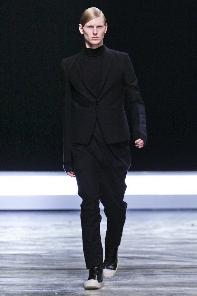 Diederik Van Der Lee3165_FW12 Paris Rick Owens(VOGUE)