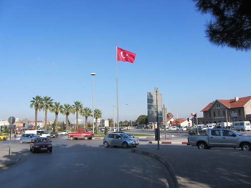 Balikesir: Square in front of the train station (1)